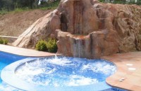 78-Jacuzzi independent a la piscina